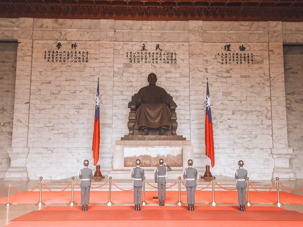 estatua de Chiang Khai shek - Que ver en Taipei