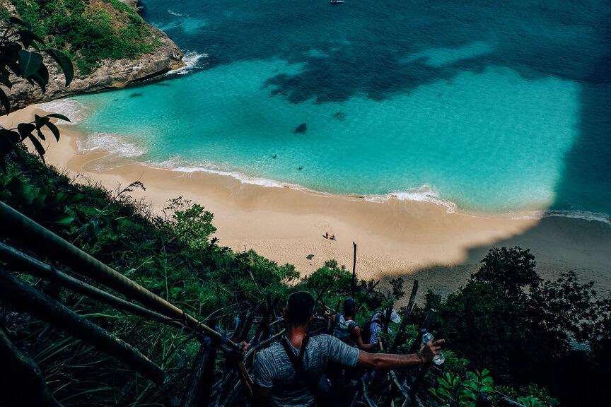 Bajando a Kelingking, playas de Nusa Penida