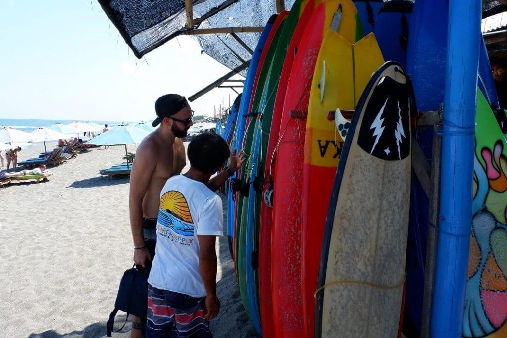 Surf en Bali para principiantes